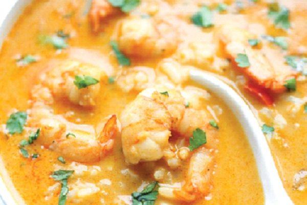 طريقة عمل شوربة الروبيان التايلاندية طريقة Recipe Baked Chicken Legs Cooking Recipes Stuffed Peppers