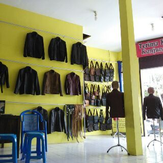 Showroom jaket kulit asli http://jaketkulitz.blogspot.com