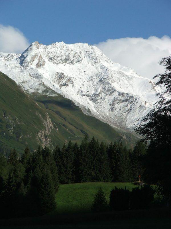 A hegyi túra izgalmas és kellemes időtöltés egyszerre. Ausztria szinte kifogyhatatlan a csodás helyszínekből. Bakancsot húztunk és nekivágtunk.