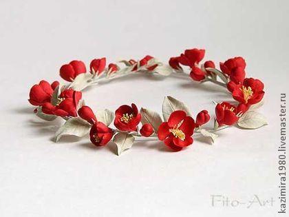 ручная работа Свадебный венок с красными цветами айвы Ракель. Handmade.