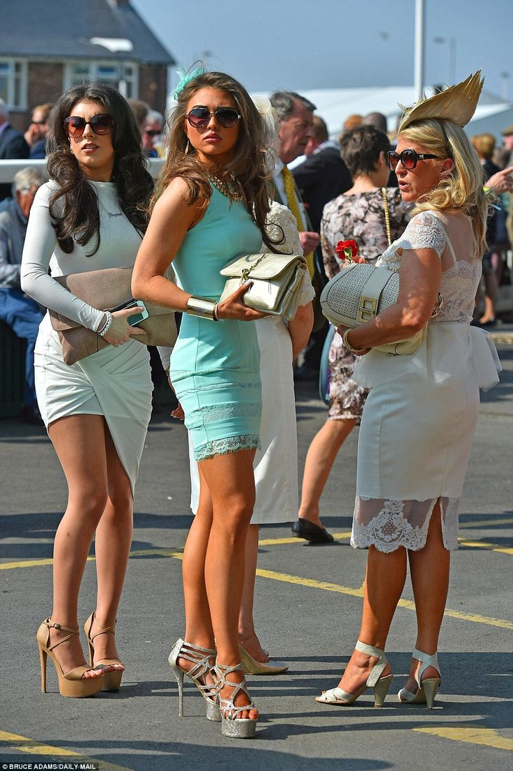 Ladies arrive for the first day of racing at Aintree ...