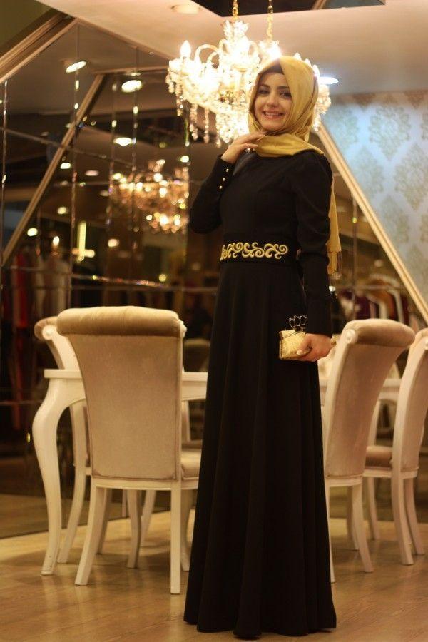Pınar Şems - Beli Nakışlı Siyah Elbise