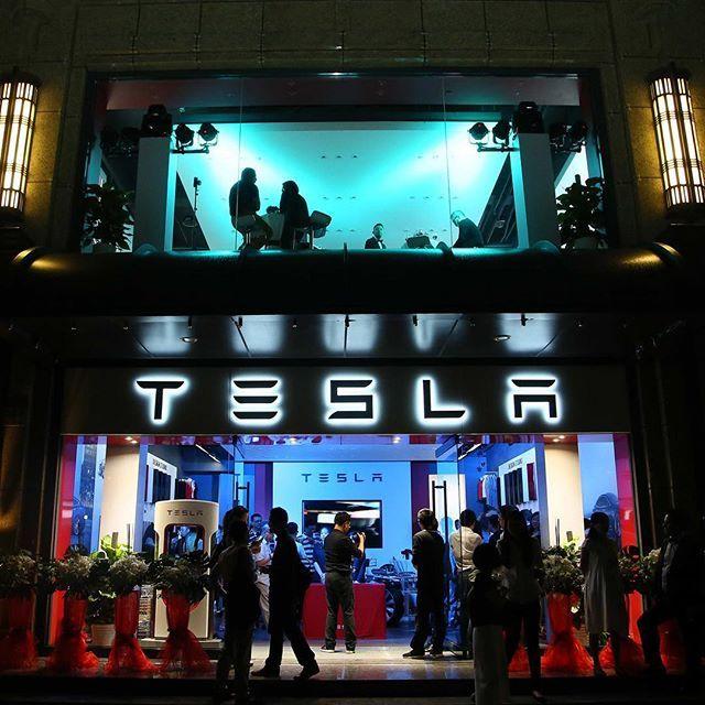 New Tesla store in Shanghai-Xintiandi China #Tesla #cars #China #exoticcar #FF #instafollow