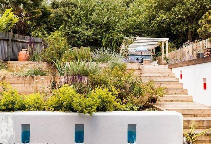 am nagement jardin en pente terrassement mission possible id es d co jardin d coration. Black Bedroom Furniture Sets. Home Design Ideas