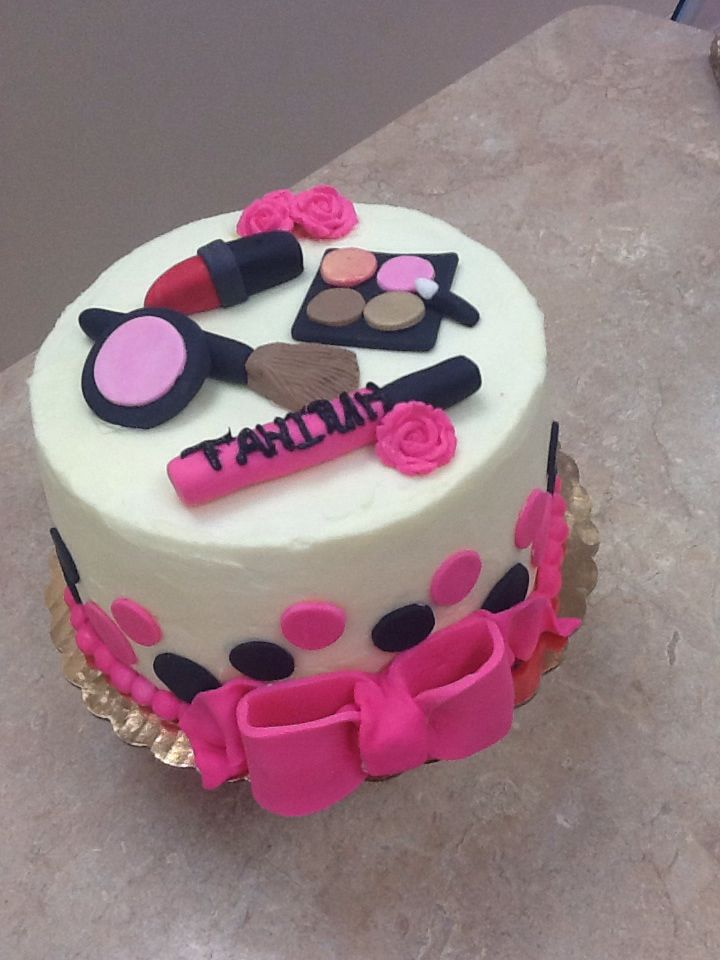 Makeup Themed Cake Images : 134 best Makeup cake images on Pinterest Makeup cakes ...
