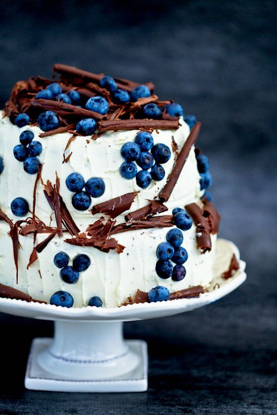 2 tier chocolate and blueberry gateau