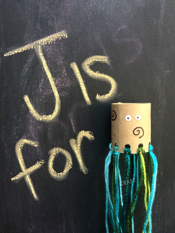 J is for jellyfish! Toilet paper roll crafts for kids!