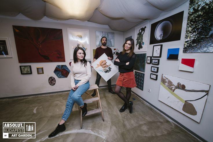 Az Art Garden szeptemberben nagy sikerrel indított. A művészet menedzsmenttel foglalkozó Máhr Annamáriát és Déri Zsófit, valamint a Proud és a Hellowood egyik tulajdonosát, Ráday Dávidot a festmények iránti rajongás hozta össze.  Az általuk létrehozott kezdeményezés nemcsak arról szól, hogy segítsék az amúgy sokszor anyagi gondokkal küszködő művészeket, hanem, hogy kicsit átformálják az újabb generációk gondolkodását ebben a rohanó világban.