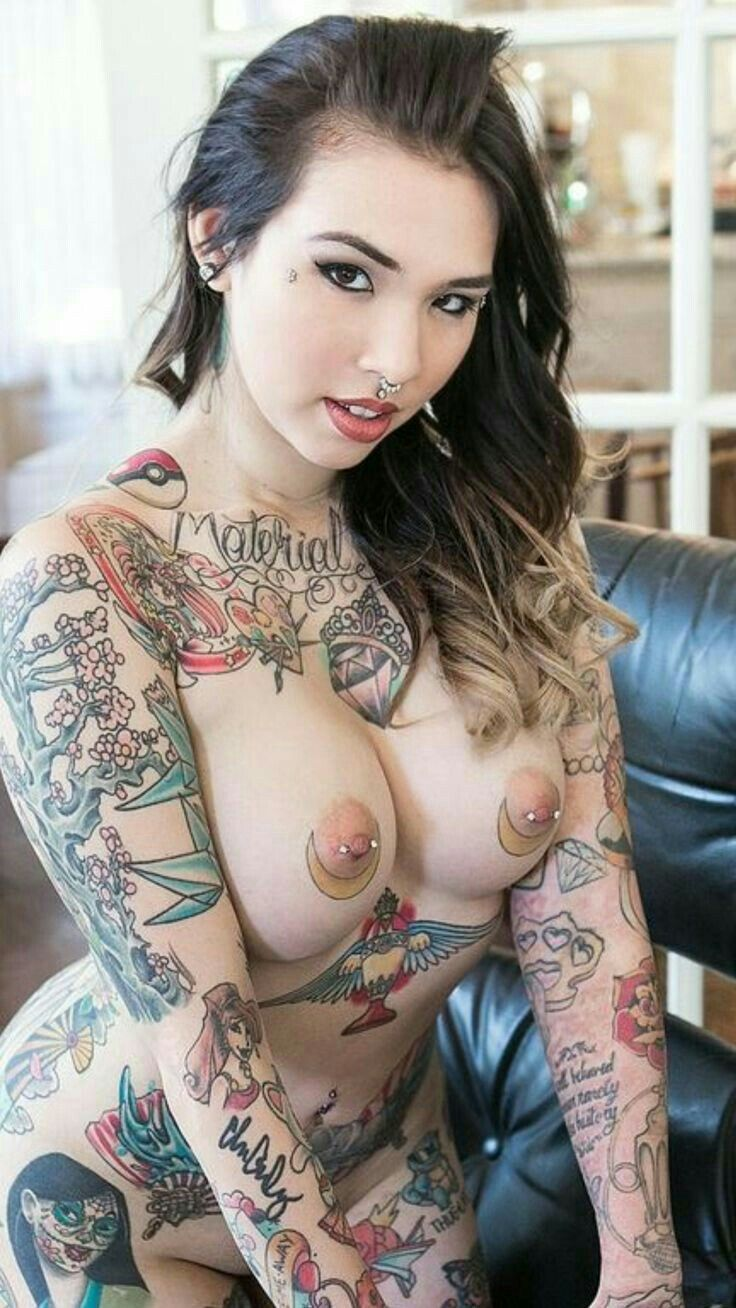 Nude women with tattooed breasts — photo 15