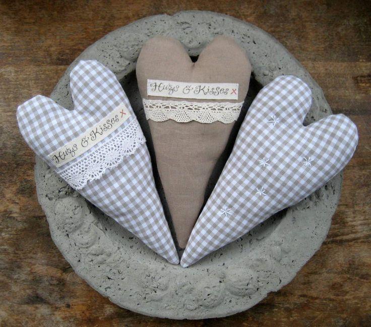 Hearts <3  www.facebook.com/handmadebymemmu