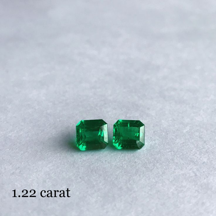 IEEX Emeralds - 1.22 emerald cut vivid green pairs of minor oil Colombian emeralds, full of fire and excellent clarity, expertly calibrated in our Bogota workshop by Ricardo.  Prices by EMAIL - info@ieex.com.co