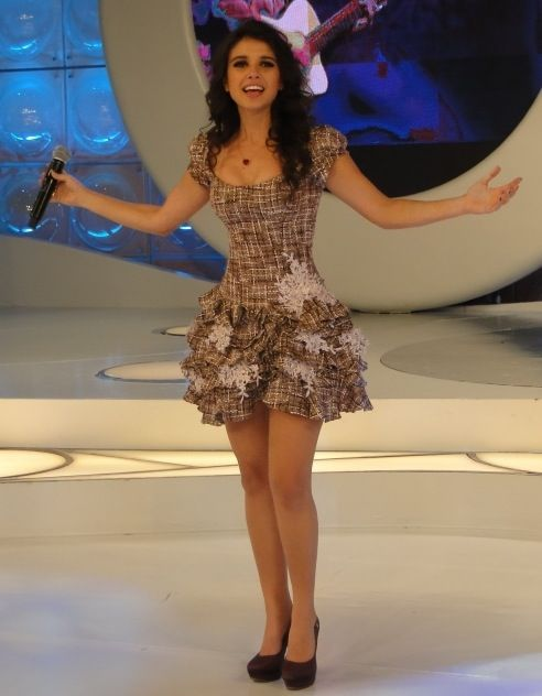 O estilo da cantora Paula Fernandes   Sensualidade e romantismo