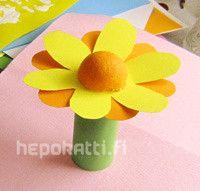 Askarteluohje kukka   Hepokatti.fi - puuhaa ja tekemistä lapsille >> askarteluohjeita lapsille, värityskuvia, tehtäviä lapsille, leikkivinkkejä ja pelejä