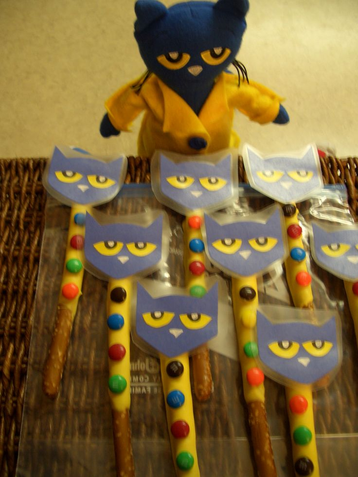 Pete the Cat and His 4 Groovy Buttons Chocolate Covered Pretzel Rods