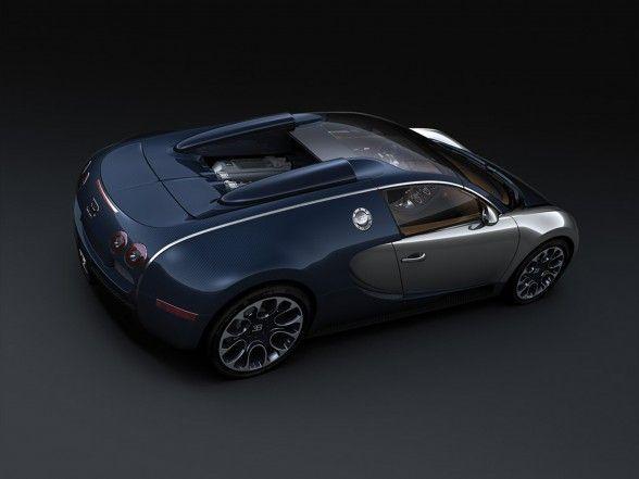 2009 Bugatti Veyron Sang Bleu Rear Angle View 588x441 2009 Bugatti Veyron Sang Bleu