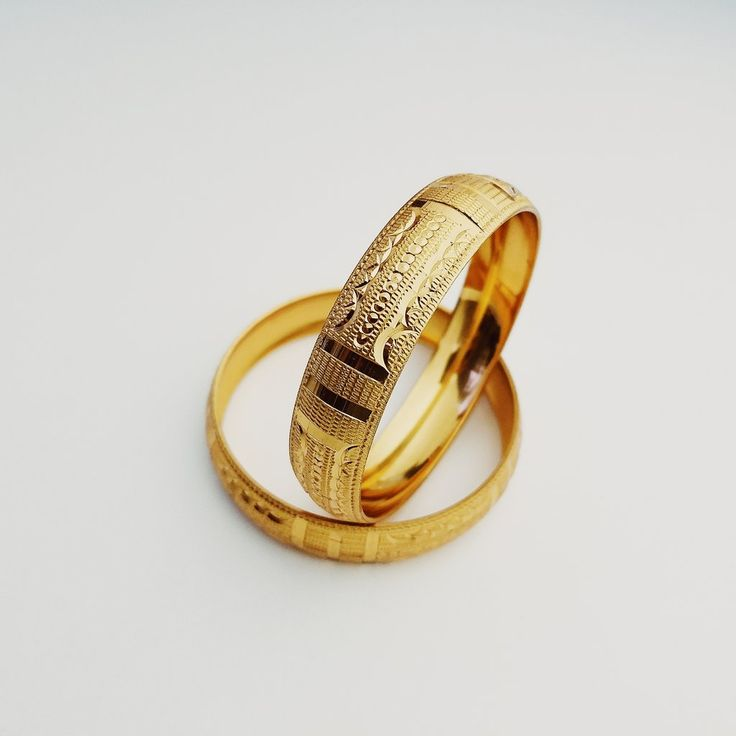 Medium Diamond Cut Bangles - Felicia