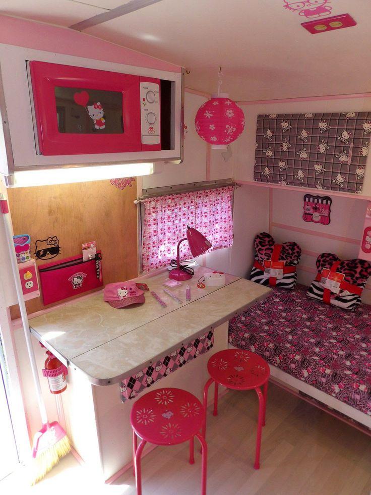 Hello Kitty Camper (interior)