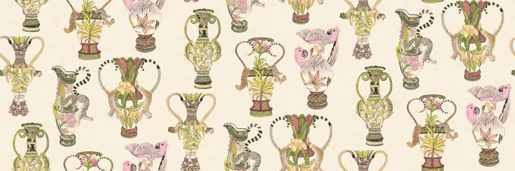 Роскошные флизелиноые обои с изображением дорогих африканских ваз с местными животными на фоне стеснительного бежевого цвета