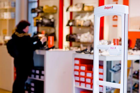 https://www.logismarket.es/in/checkpoint-systems-checkpoint-presenta-del-origen-a-la-tienda-en-euroshop-2011-con-un-tercio-de-la-anchura-de-los-modelos-existentes-la-evolve-s10-de-checkpoint-es-la-antena-mas-elegante-de-la-compania-y-634235-FGR.jpg