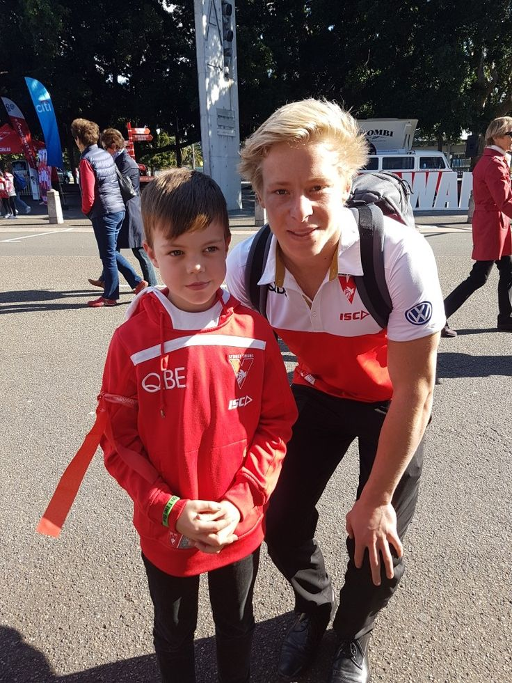 Harri and his idol Isaac Heeney
