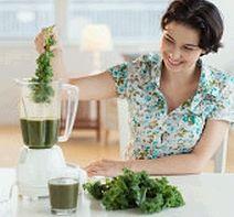 Melhore sua dieta  Se você quer cuidar do seu coração é recomendável seguir uma alimentação variada e equilibrada, rica em frutas, verduras e com pouca gordura saturada e açúcar.