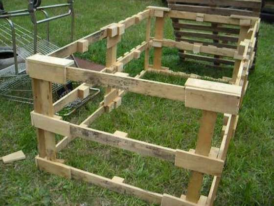 how to make a chicken tractor from pallets....