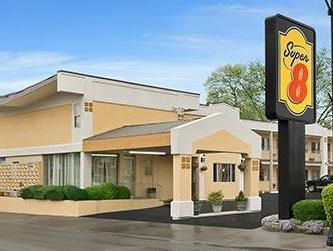 Belleville (IL) Super 8 Motel - Belleville United States, North America Ideally located in the prime touristic area of Belleville, Super 8 Motel - Belleville promises a relaxing and wonderful visit. The hotel offers a wide range of amenities and perks to ensure you have a great time. Service-minded staff will welcome and guide you at the Super 8 Motel - Belleville. Each guestroom is elegantly furnished and equipped with handy amenities. Access to the hotel's outdoor pool will ...