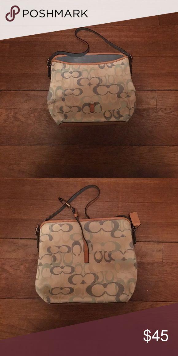 coach purse cute, clean coach purse!! Coach Bags Shoulder Bags