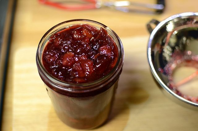 pear cranberry jam by Marisa | Food in Jars, via Flickr----- It's Dec and I need to make jam!!! crans are in season. Will switch out the sugar for honey - will drop the amount to 1.5-2 cups honey (local honey - whatup!)