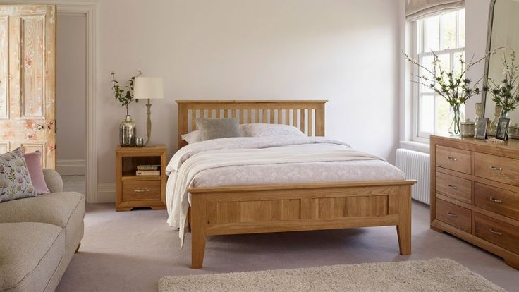Oak Bedroom Furniture | Beds, Dressing Tables, Chest of Drawers, Wardrobes