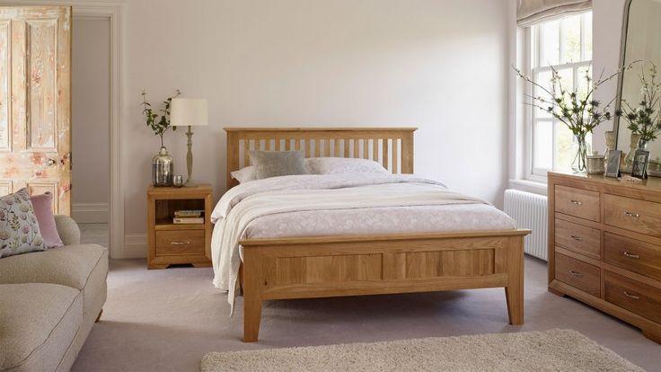 Oak Bedroom Furniture   Beds, Dressing Tables, Chest of Drawers, Wardrobes
