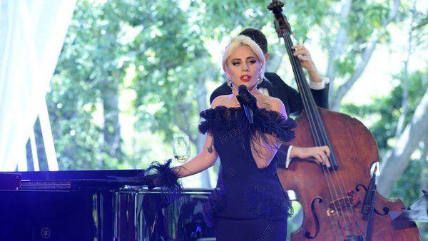 What a GORGEOUS dress!! Lady Gaga (@ladygaga)   Twitter #fashion #fashionnews #ladygaga