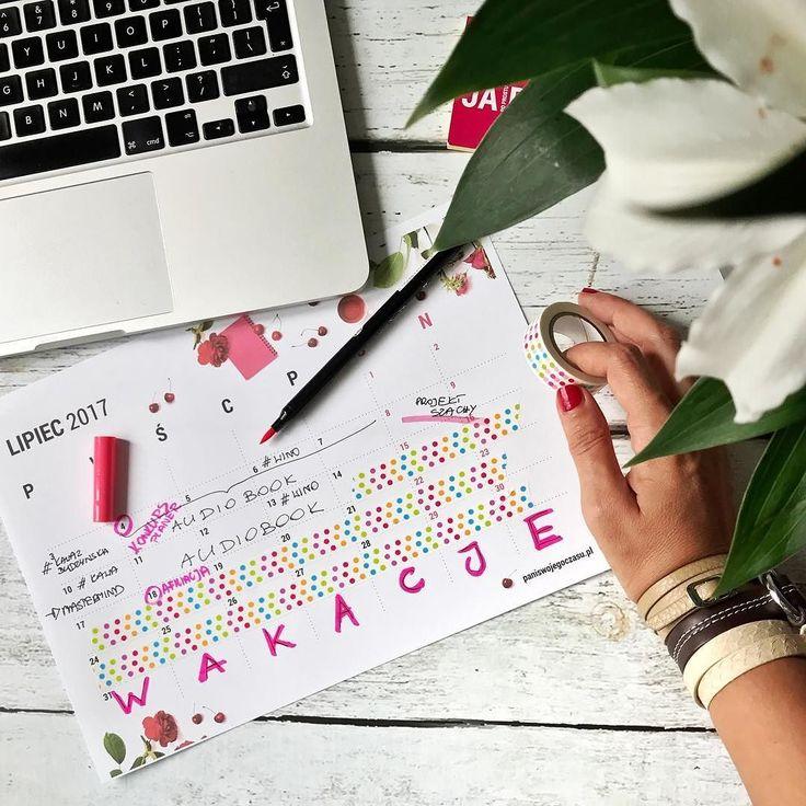 Zapomniałam dać Wam znać że od wczoraj w Waszych skrzynkach czeka kalendarz do druku na lipiec! Mój lipiec już zaplanowany! Praca tylko do 14 a potem WAKACJE #psc #paniswojegoczasu #kalendarz #kalendarzdodruku #kalendarzpsc #workplace #workspace #work #praca #wakacje #organizacja #planowanie #planer #plannerlove #planneraddict #plannergirl #time #cza #dziendobry #dzieńdobry #goodmorning #goodmorninginsta #goodmorningworld #goodvibes #goodvibesonly