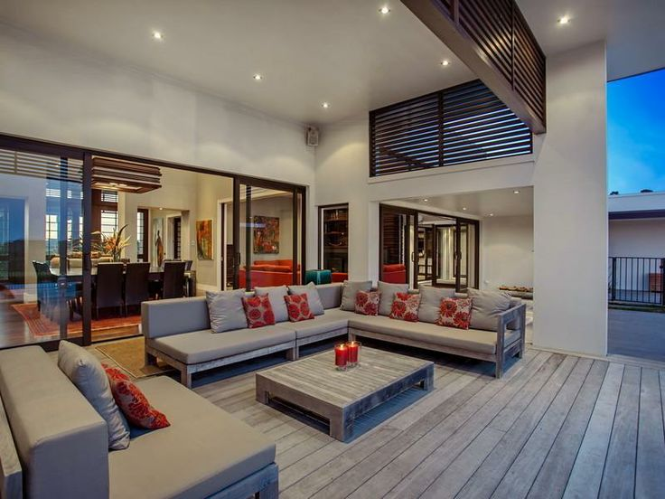 Contemporary Home in New Zealand Outdoor lounge
