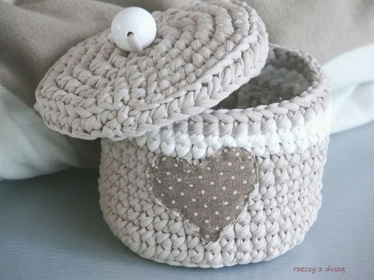The cutest storage basket made using Tarn T-shirt Yarn} http://www.tarnsa.co.za/