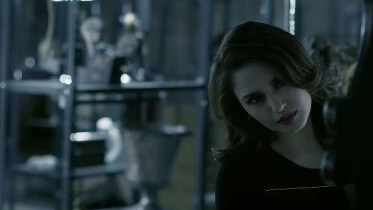 Huma Qureshi as Natasha Merchant HD Wallpaper