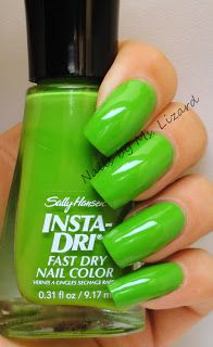 Instadry- the ONLY nail Polish I use for outfit coordination on the go! 1 coat and I'm good in 60 seconds.