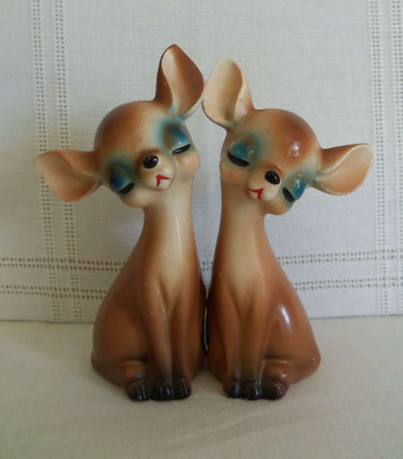 1940's Chihuahua Salt & Pepper Shakers by SusieQsVintageShop on etsy