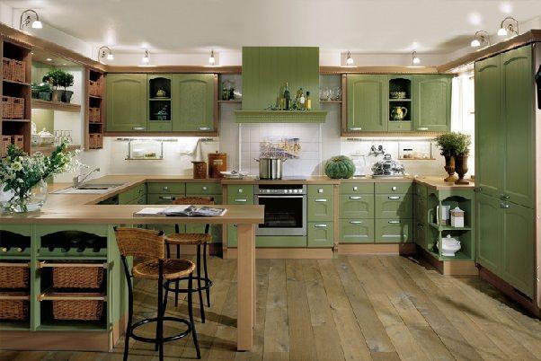 Оливковая зелень, светло-коричневые пол и стены - основа удачного интерьера