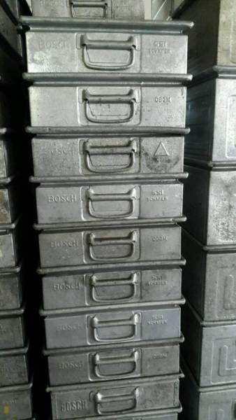 Biete 72 SSI Schäfer Metallkisten. Die Kisten Befinden Sich In Einem Guten,  Gebrauchten Zustand