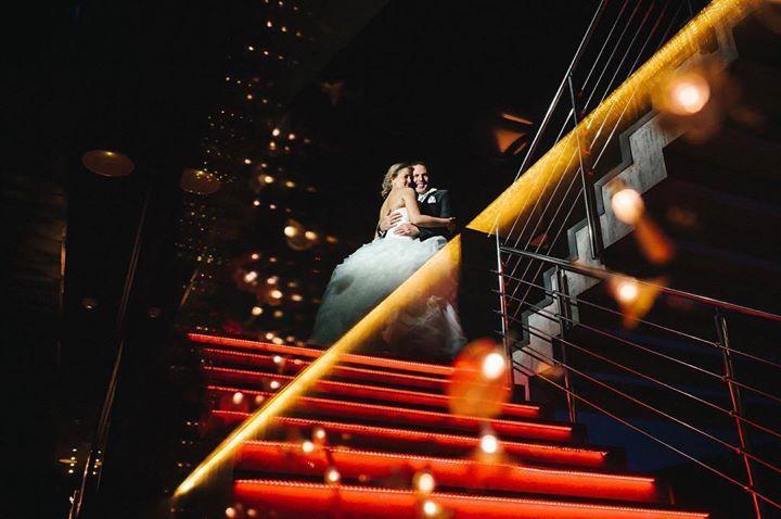 Luces de colores Color Lights #boda #wedding #zaragoza #Spain #davidyloreto #fotografiadeboda #weddingphotography #postboda http://davidyloreto.com