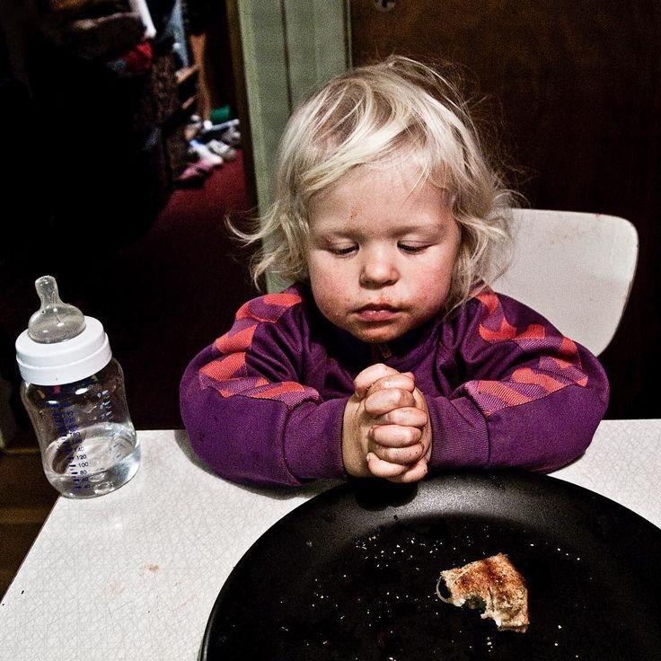 Jeg har aldri vært en kristen fyr. Da jeg vokste opp i Norge var de religiøse corny hadde dølle klær og sveiser. Vitenskap var fantastisk. Der lå svarene. Mest på kødd fulgte jeg ivrig med på New world channel. To tvillinger med cowboyhatter som var blitt frelst på fyllefest. To eldre koselige bestemødre som fordømte homofile. Var jeg på byen kunne jeg sette meg full ned på en kristen kafe. Havne i utrolige samtaler med åpne folk. Ble overasket. Jeg søkte absolutt alle typer mennesker. Jeg…
