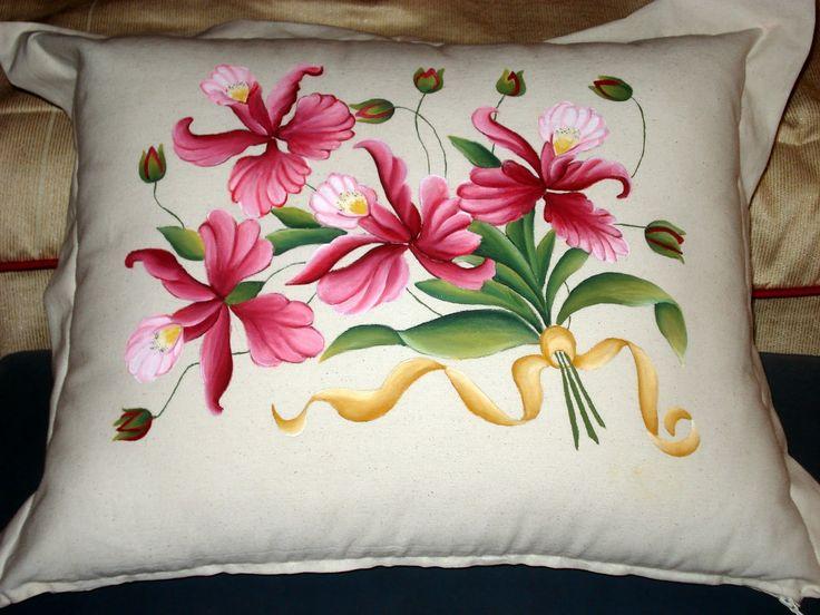 Lasmanualidadesdesule flores para un cojin pintura en - Fotos de cojines decorativos ...
