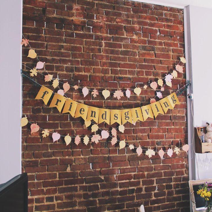 Festive fall Friendsgiving banner | via Pies Before Guys #DIY #fall #leaves #thanksgiving