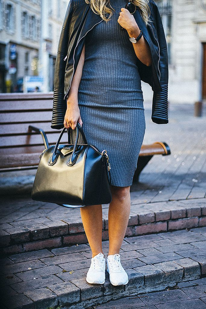 Ribbed Dress with Sneakers (Jonnamaista)