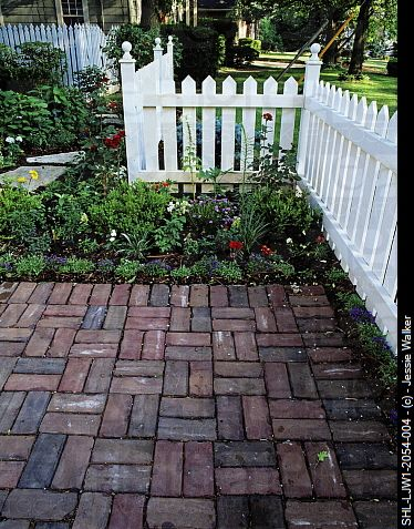 a brick patio ive always liked this woven brick pattern - Patio Brick Designs