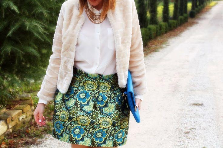 amemipiacecosi: Outfit: gonna a fiori e pellicciotto beige