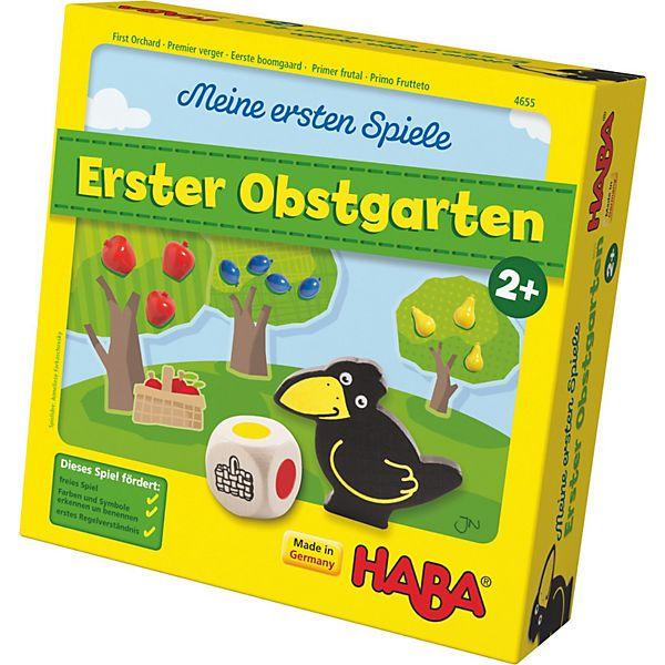 """Meine ersten Spiele """"Erster Obstgarten"""" von HABA<br /> <br /> Das beliebte Obstgartenspiel für ganz kleine Spielefans!<br /> <br /> Die Kinder versuchen gemeinsam, das Obst von den Bäumen zu pflücken, bevor der Rabe den Obstgarten erreicht.<br /> Erscheint eine Farbe auf dem Würfel, wird das entsprechende Obst in den Korb gelegt.<br /> Erscheint der Obstkorb, darf der Spieler eine beliebige Frucht pflücken.<br &#..."""
