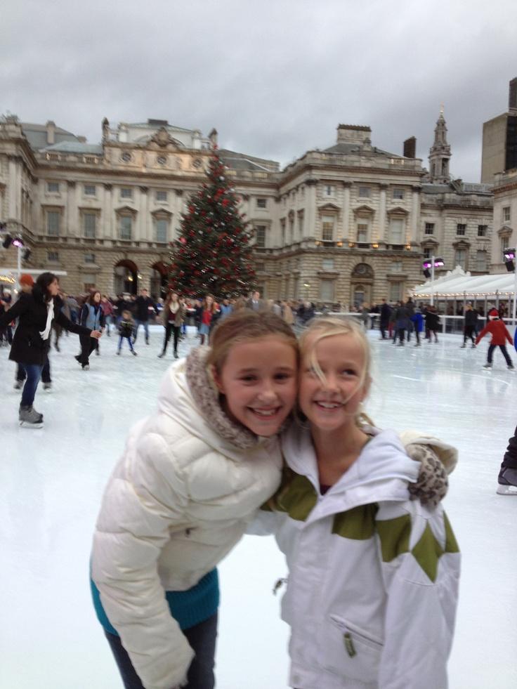 skating Somerset Palace