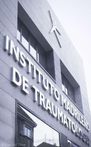 Estamos especializados en tratar lesiones y patologías del sistema musculoesquelético desde el diagnóstico, cirugía y recuperación. - Madrid http://www.imtra.eu/
